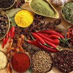 kruiden specerijen helpen bij afvallen