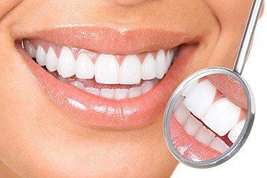 witte tanden met baking soda