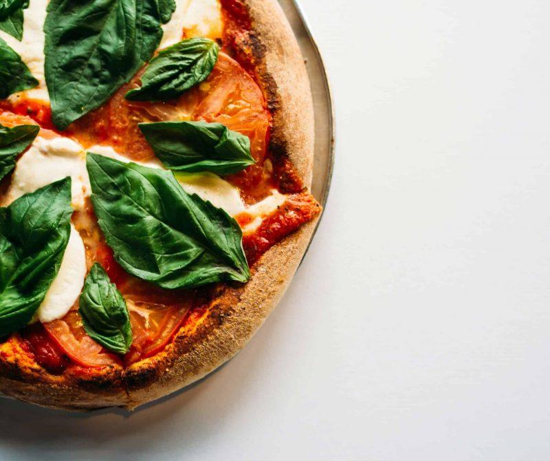 De allerlekkerste keto pizzabodem